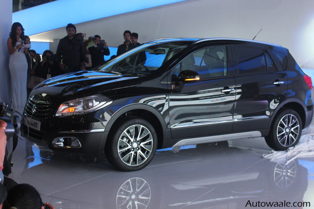 Auto Expo 2014 Maruti Suzuki shows global SX4 S CROSS 6