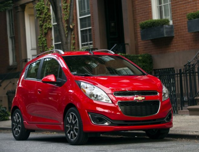 Chevrolet Spark Features, Engine Specification, Mileage, Test Drive Reviews and Look Pictures