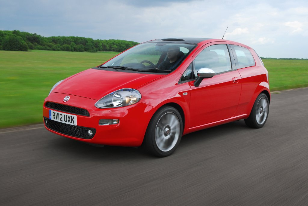 Fiat Punto EVO Diesel Model Review in Detail