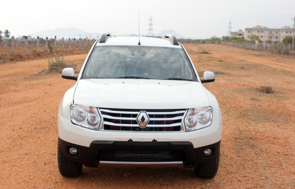 Renault Duster front pic