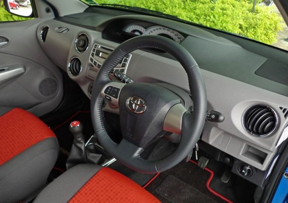 Toyota Etios Liva HD Photo of Interior