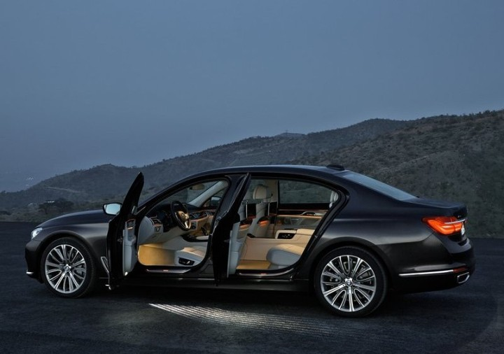 BMW 7 Series New Model Details & Images [2015]